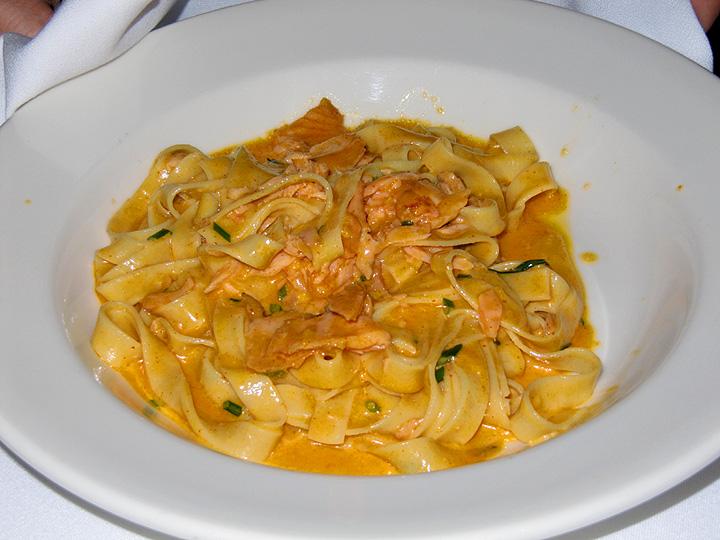 Bibas Housemade Fettucine with Smoked Salmon
